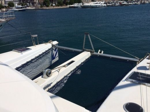 Catamaran Aventura Livre peer-to-peer