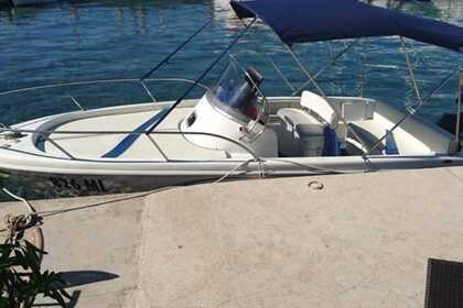 Hire Motorboat SAVER 615 WA Starigrad
