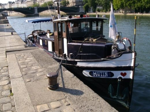 Motorboat Van Praden Remorqueur for hire