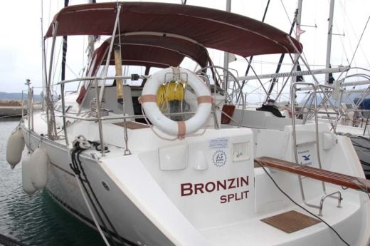 BENETEAU Oceanis 393 Clipper in Split zu vermieten