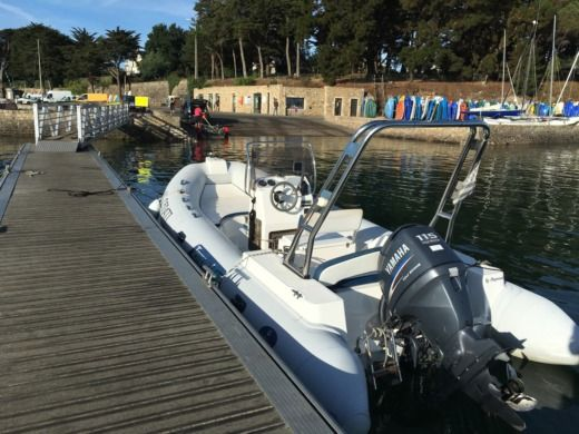 Capelli Tempest 625 in Sarzeau for hire