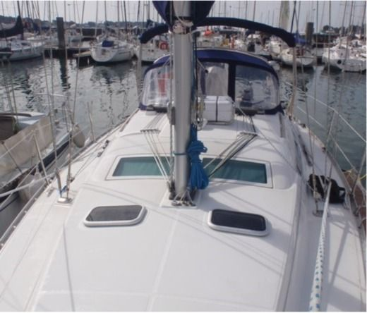 BENETEAU OCEANIS 343 in Brest for hire