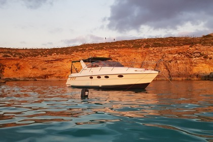 Hire Motorboat Fairline Targa 33 Valletta