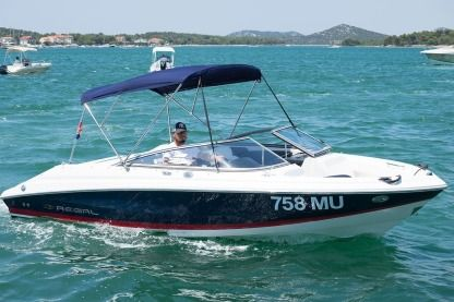 Charter Motorboat Regal 2000 Murter