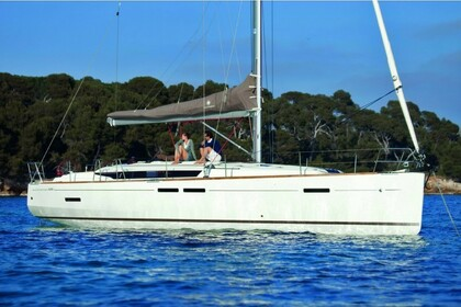 Charter Sailboat JEANNEAU 449 Split