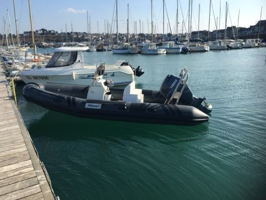 Charter rIB in Brest peer-to-peer