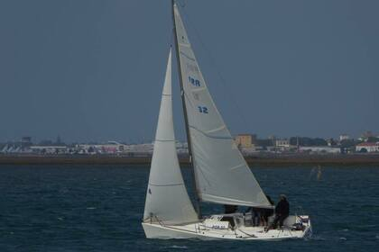 Rental Sailboat BENETEAU PLATU 25 Faro