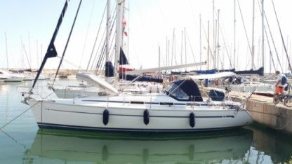 Charter Sailboat Bavaria 36 local 23