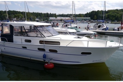Hire Motorboat Nautika 830 Wrony