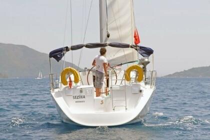 Hire Sailboat BENETEAU OCEANIS 393 CLIPPER Marmaris