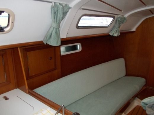 Beneteau Oceanis 311 Clipper in Athens peer-to-peer