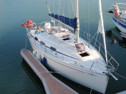 Charter Sailboat Bavaria 30 Cruiser Arzal
