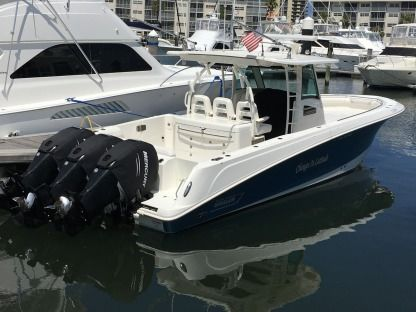 Rental Motorboat Boston Whaler 37' West Palm Beach