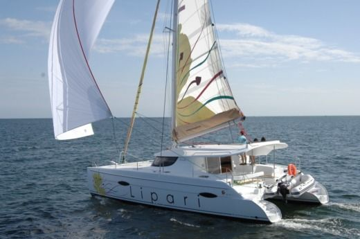 Catamaran Fountaine Pajot Lipari 41 for hire