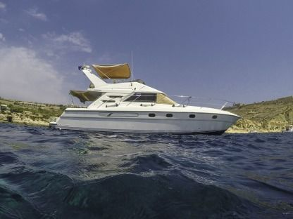 Charter Motorboat Fairline Phantom 42 Gozo