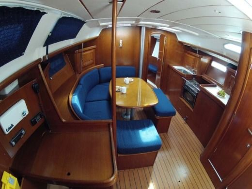Beneteau Oceanis 393 Clipper in Split