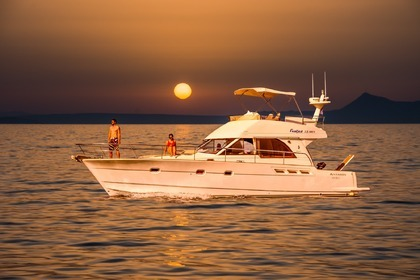 Charter Motorboat BENETEAU ANTARES 13.80 Rethymno