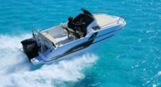 Motorboat Beneteau 550 Flyer Sundeck for rental