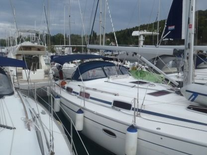 Charter Sailboat Bavaria 37 Split