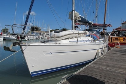 Hire Sailboat BAVARIA 36 Le Gosier