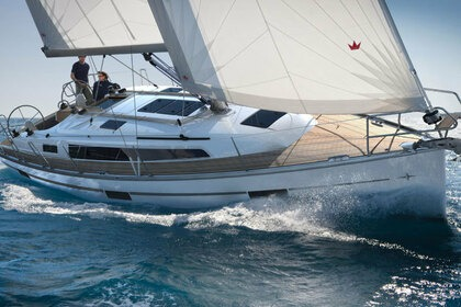 Hire Sailboat BAVARIA CRUISER 37 Zadar