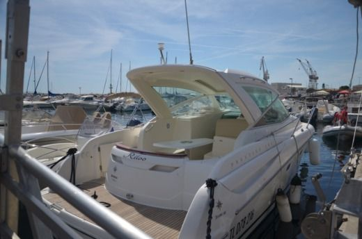 Motorboat Jeanneau Prestige 30 for hire