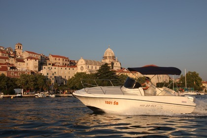 Rental Motorboat HM 22 FLY HONDA 100 Šibenik