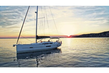 Hire Sailboat DUFOUR 512 Grand Large Portisco