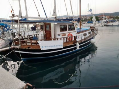 Charter Sailboat Traditional Boat Halkidiki