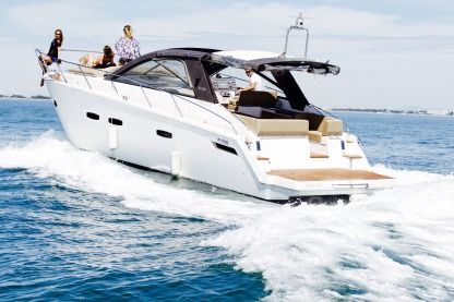 Rental Motorboat Sealine Sc 35 Pérols