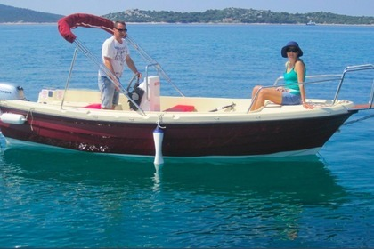 Charter Motorboat VEN 501 OPEN FLY Vodice