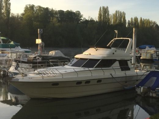 Motorboat Marine Project Princess 45 Yacht peer-to-peer