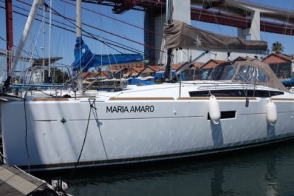 Rental Sailboat Jeanneau 349 Lisbon