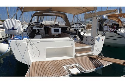 Hire Motorboat Dufour Dufour 390 Grand Large Rogoznica