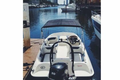 Hire Motorboat Bayliner Element XL Aventura