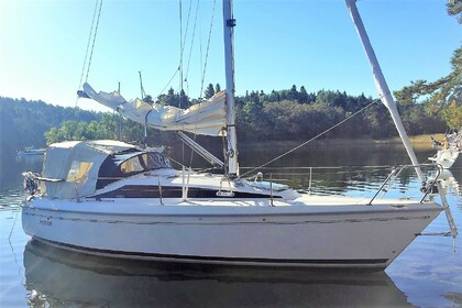 Rental Sailboat Maxi Fenix Nacka