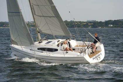 Rental Sailboat Dehler Dehler 32 Saint-Cast-le-Guildo