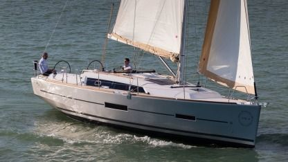 Charter Sailboat Scafo - Dufour 382 Grand`large (3 Cabins, 2 Heads, From 2018) Horta