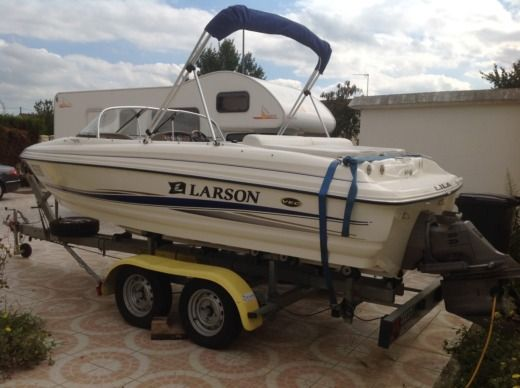 Larson 180 Sport Fisch in Beaugency for hire
