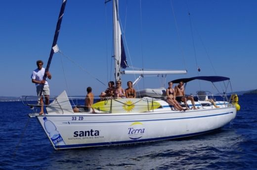 Charter sailboat in Zadar