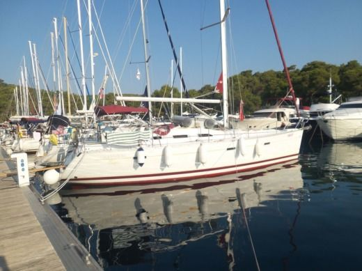 Beneteau 393 in Split for hire