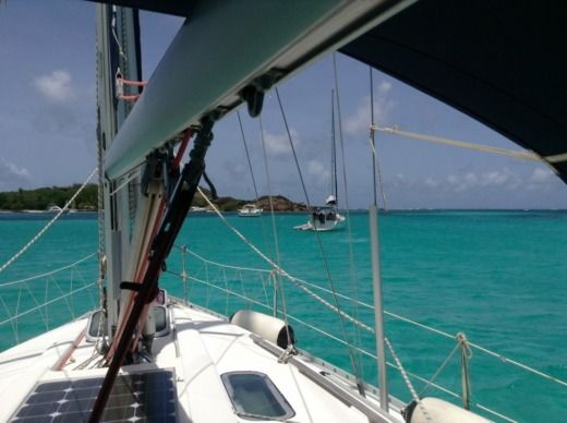 Sailboat Beneteau Oceanis 351 for hire