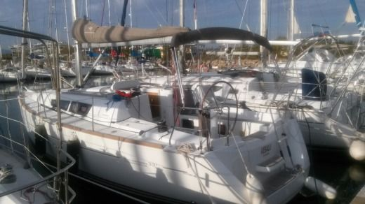 Sailboat JEANNEAU Sun Odyssey 33i Perf for hire