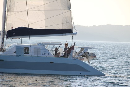Location Catamaran OUTREMER . Le Marin