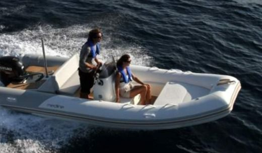 Gommone Zodiac Medline 5.40 tra privati