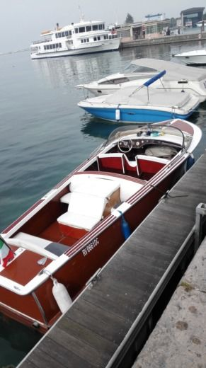 Motorboat Navicharters Archetti 22 for hire