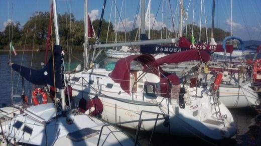 Beneteau Oceanis 311 Clipper in Pise, Pise peer-to-peer