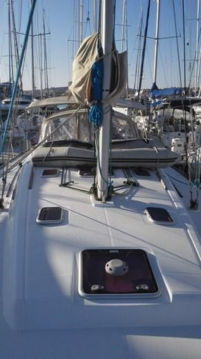 Dufour 425 Grand Large in Saint-Mandrier-sur-Mer for hire