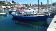 Charter sailboat in Spetses