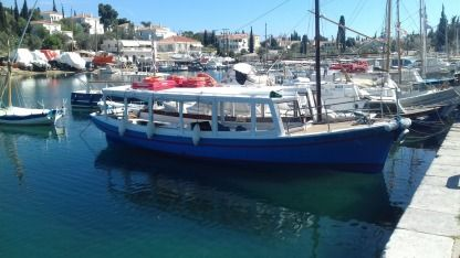 Charter Sailboat Greek Spetses Xilino 1986 Spetses